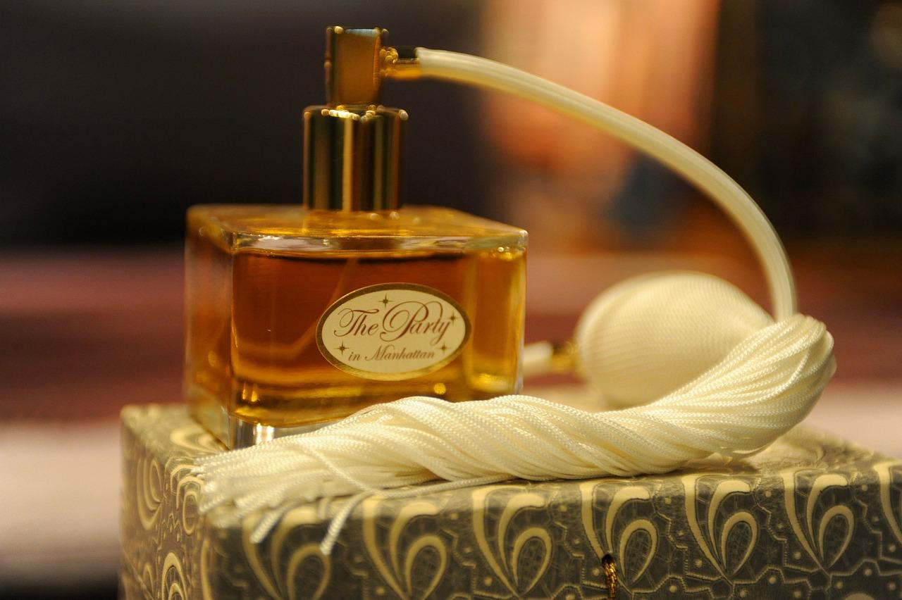Comment faire la différence entre un parfum original et une contrefaçon?