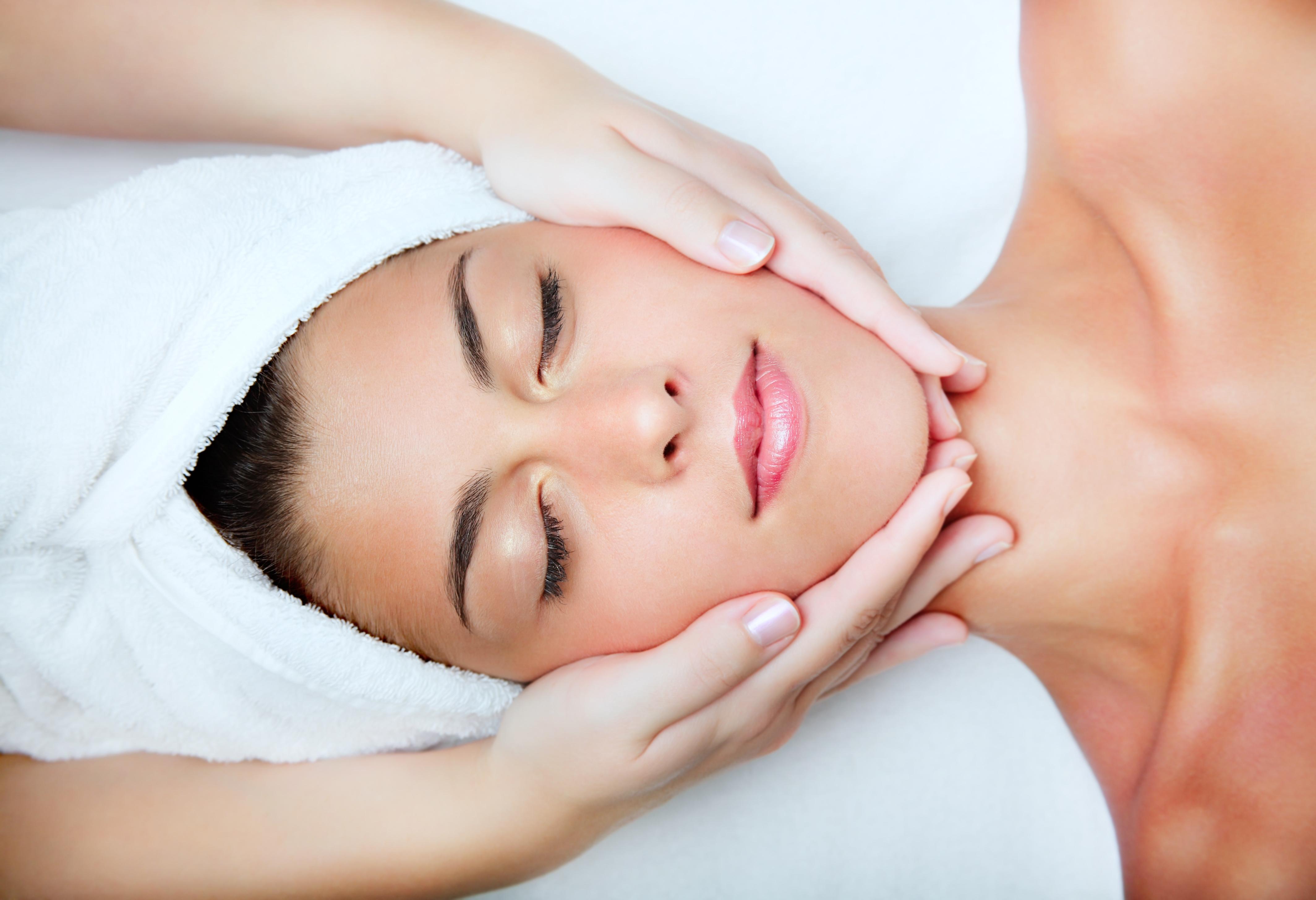 Comment prendre soin de votre visage? Conseils utiles et cosmétiques efficaces