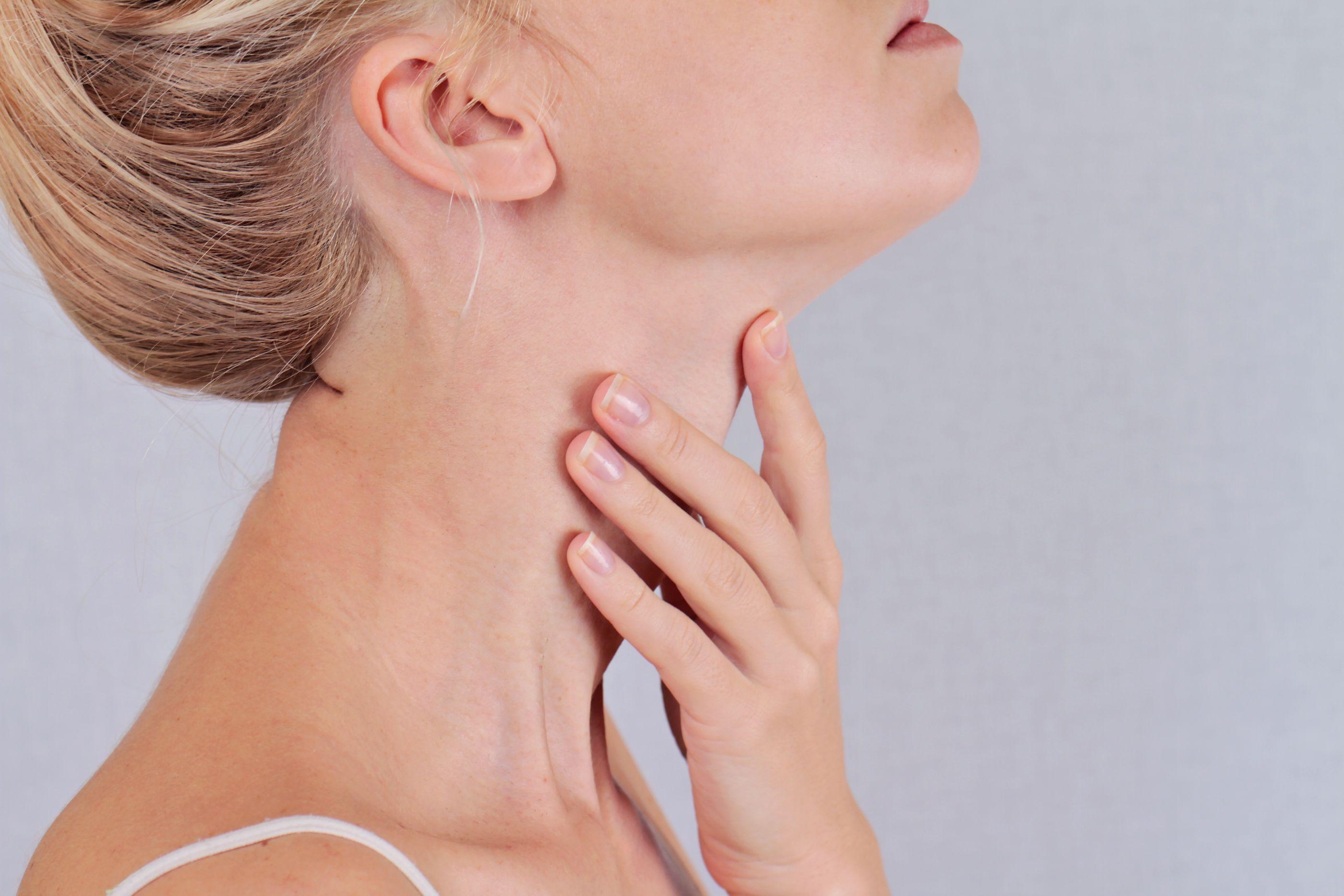 Comment prendre soin de ses cheveux lorsqu'on souffre d'insuffisance thyroïdienne?